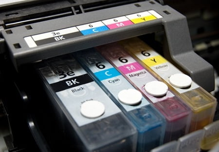 Chi phí mực in cũng nên được cân nhắc ngay từ khi quyết định chọn mua máy in.